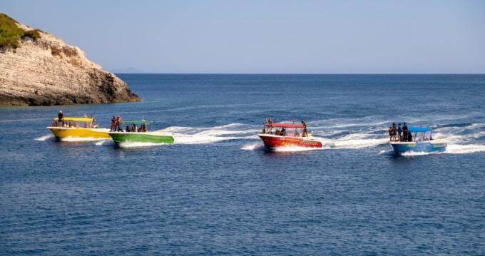 Huur Motorboot met of zonder schipper Enzo in Split