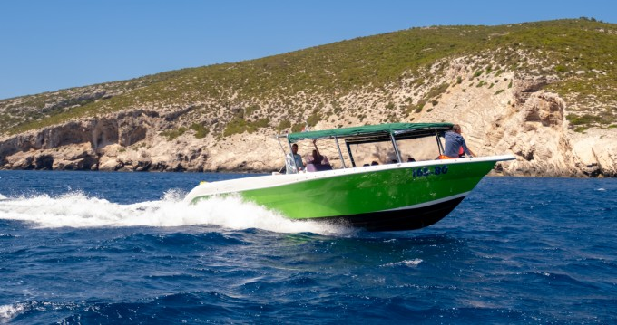 Huur een Enzo 35 in Split