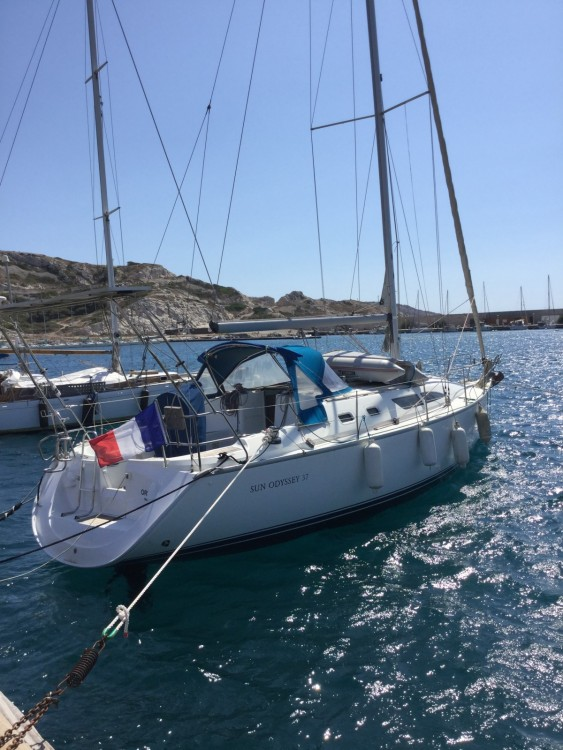 Jeanneau Sun Odyssey 37 te huur van particulier of professional in Marseille