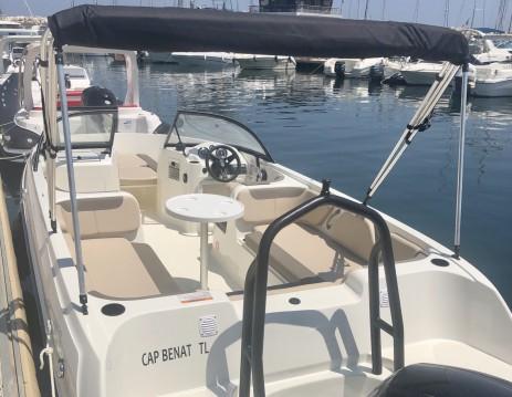Verhuur Motorboot in Bormes-les-Mimosas - Bayliner Element E7