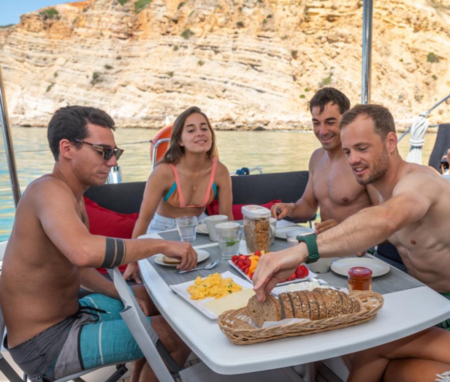 Bootverhuur Algarve goedkoop Lagoon 450 Sport Top