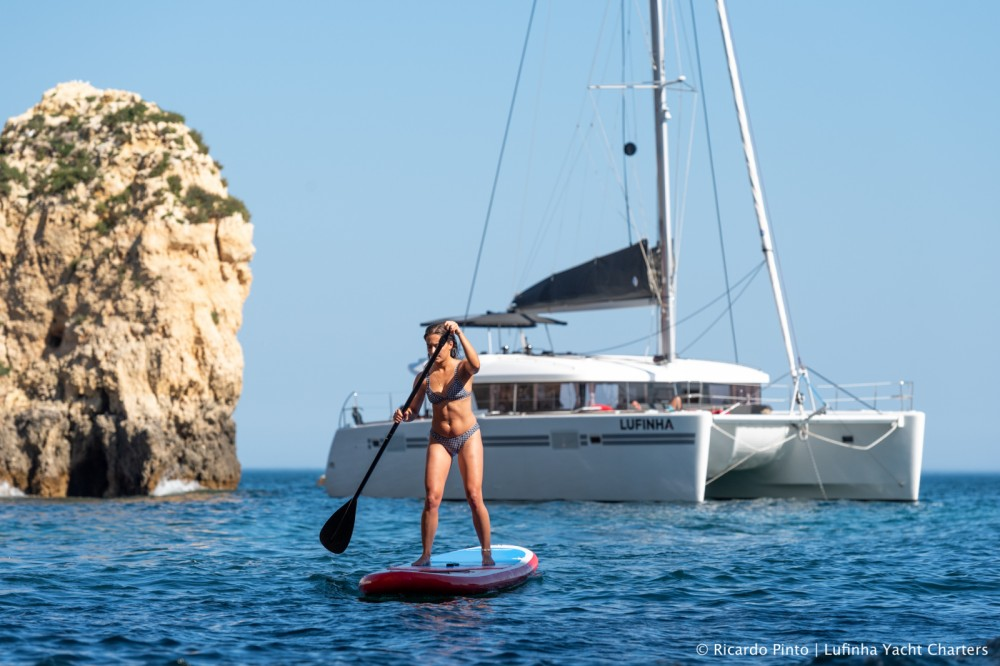 Bootverhuur Lagoon Lagoon 450 Sport Top in Algarve via SamBoat