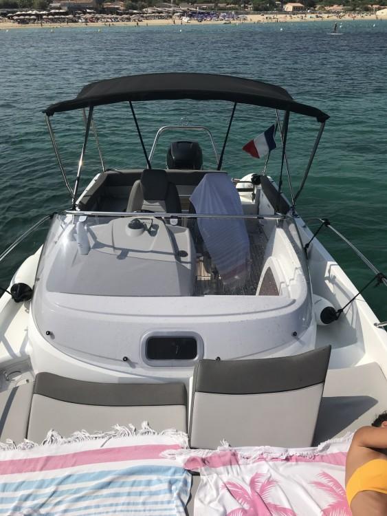 Huur Motorboot met of zonder schipper Jeanneau in Sainte-Maxime