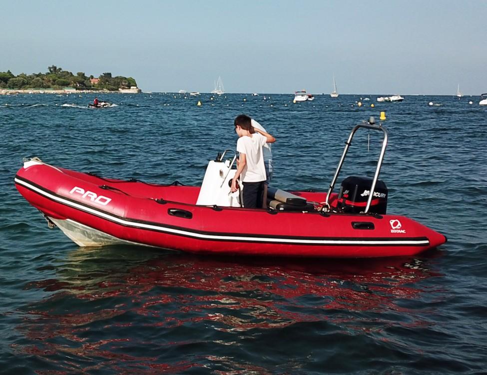 Huur Rubberboot met of zonder schipper Zodiac in Grimaud