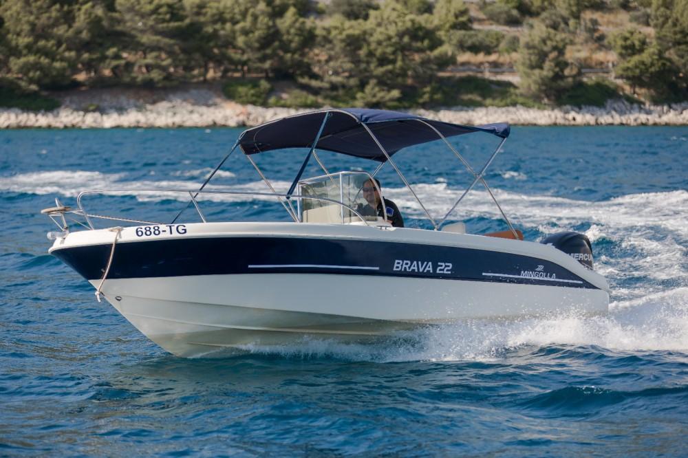 Huur Motorboot met of zonder schipper Mingolla in Trogir