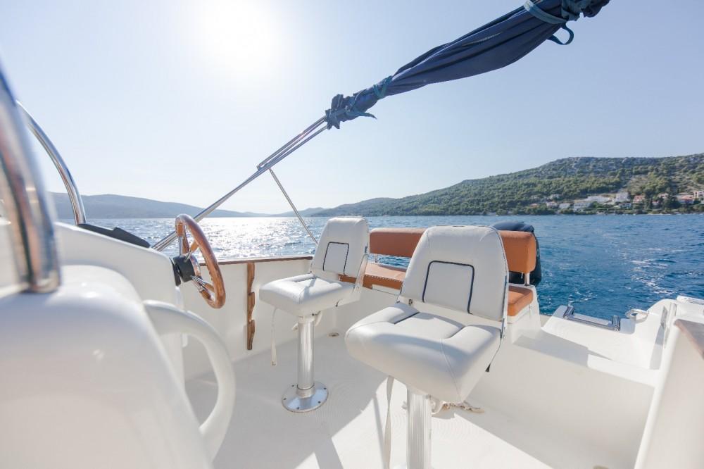 Verhuur Motorboot in Trogir - Mingolla Brava 22