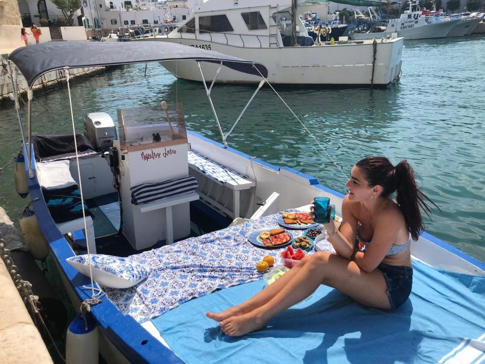 Verhuur Motorboot Cantiere Navale Monopoli met vaarbewijs
