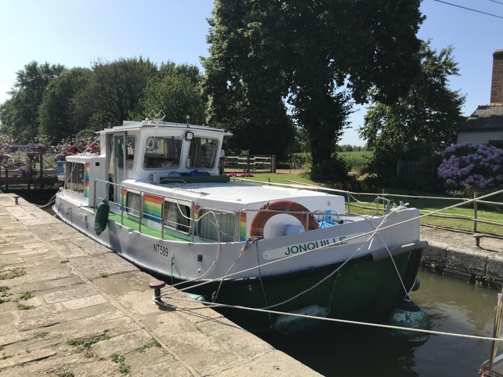 Huur Woonboot met of zonder schipper Locaboat in La Vicomté-sur-Rance