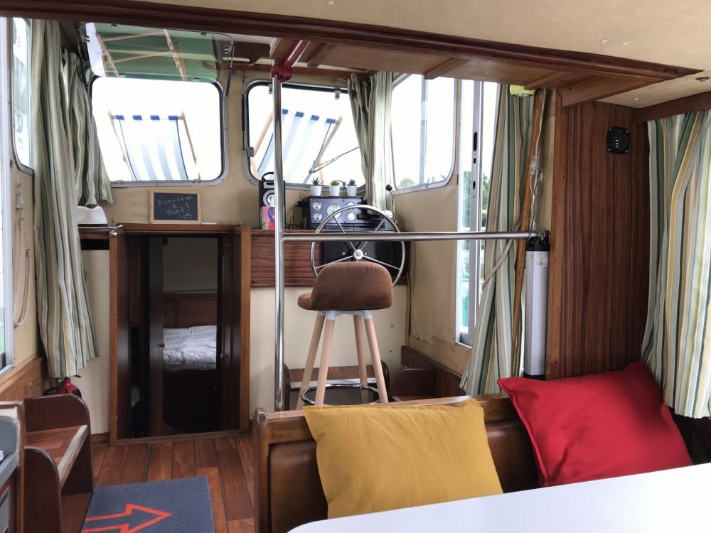 Huur een Locaboat Penichette 930 in La Vicomté-sur-Rance
