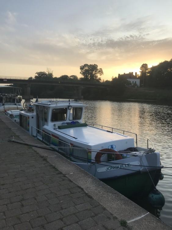 Verhuur Woonboot Locaboat met vaarbewijs