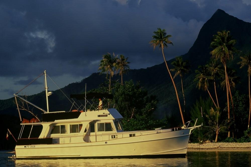 Verhuur Motorboot Grand Banks met vaarbewijs
