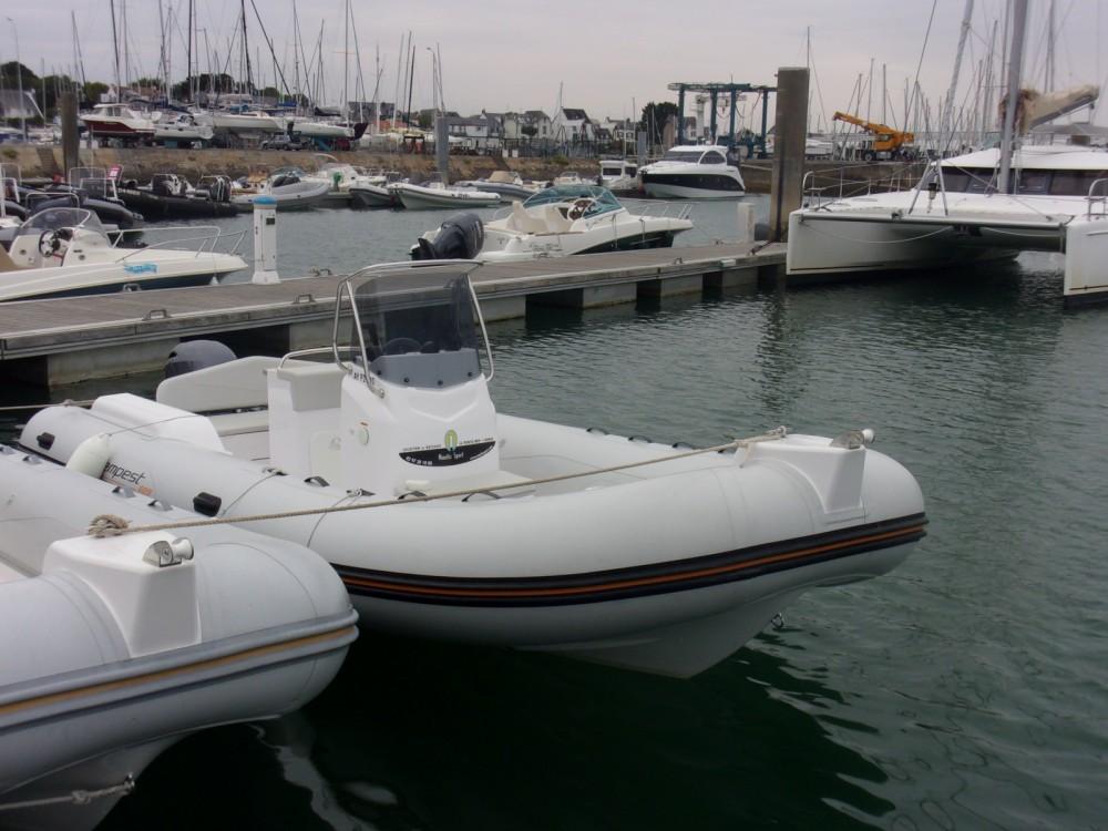Verhuur Rubberboot in La Trinité-sur-Mer - Capelli Tempest 625