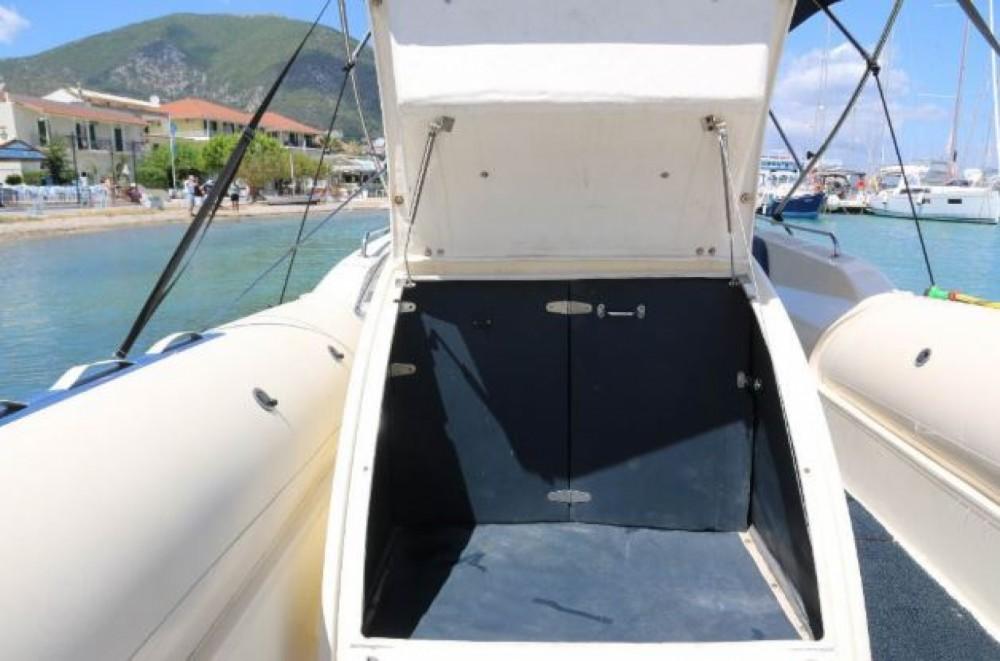 Rubberboot te huur in Nydri voor de beste prijs