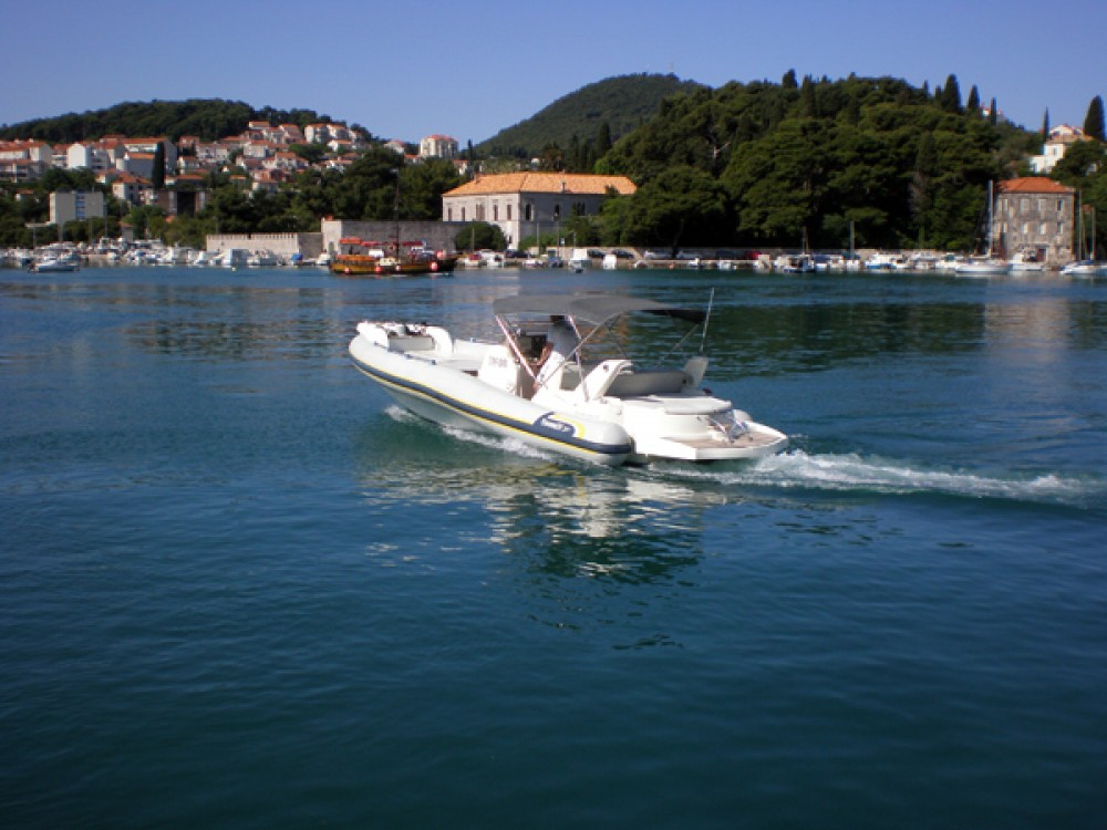 Bootverhuur Marlin Boat Marlin Boat 29 Efb in Dubrovnik via SamBoat