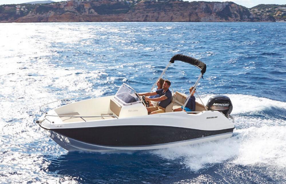 Bootverhuur Dubrovnik goedkoop Activ 555 Open
