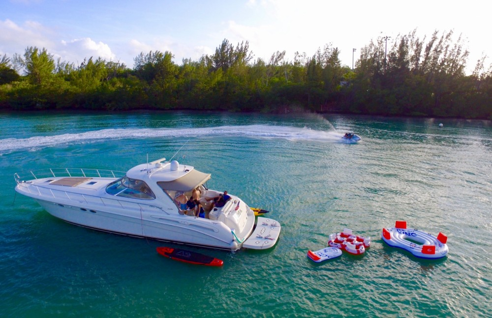 Huur een Sea Ray Sea Ray 555 Sundancer in Miami
