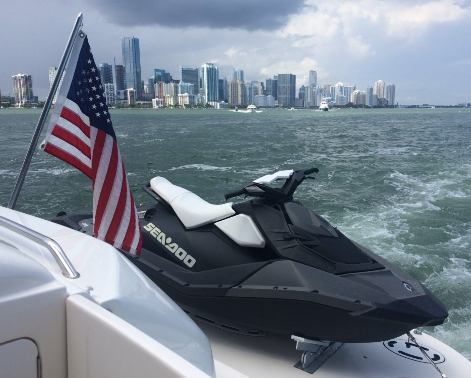 Verhuur Motorboot in Miami - Sea Ray Sea Ray 555 Sundancer