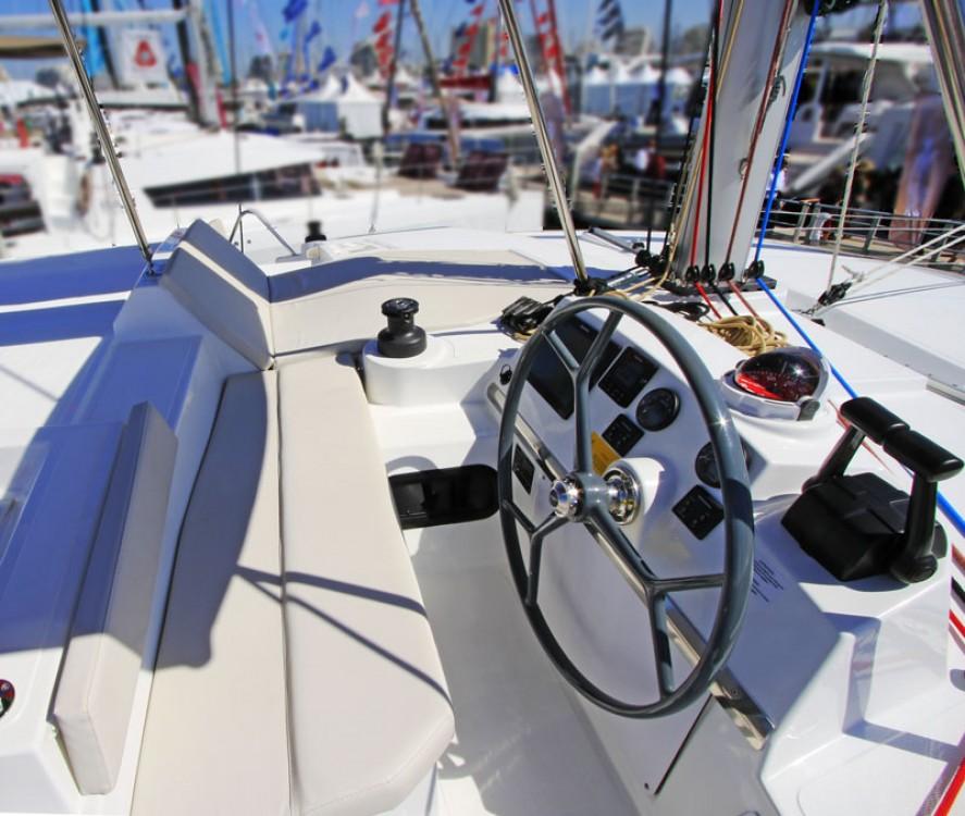 Catamaran te huur in Milazzo voor de beste prijs