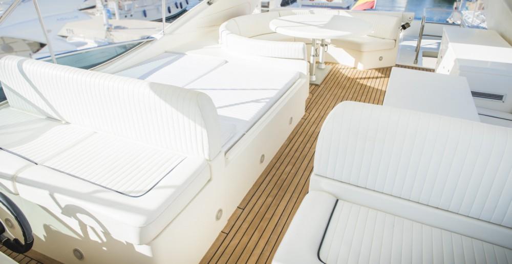 Huur een Astondoa Astondoa 82 GLX in Ibiza