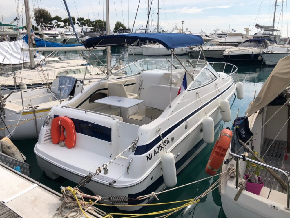 Huur een Chris Craft Chris Craft 260 Stinger in Villeneuve-Loubet