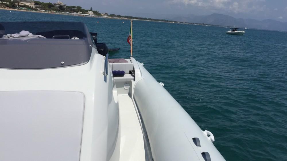 Rubberboot te huur in San Felice Circeo voor de beste prijs