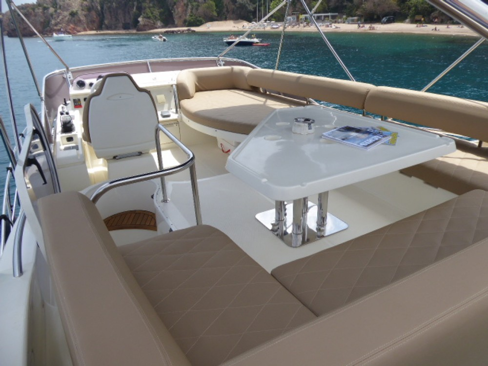 Azimut Azimut 43 Fly te huur van particulier of professional in Cannes