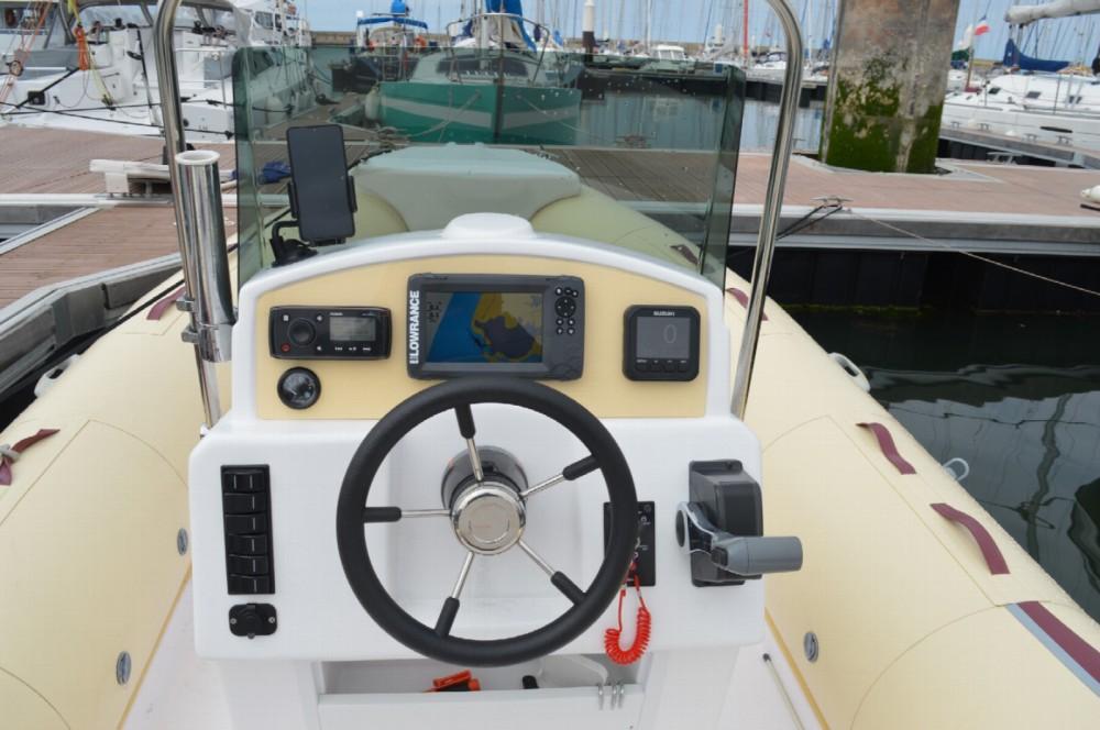 Rubberboot te huur in Le Havre voor de beste prijs