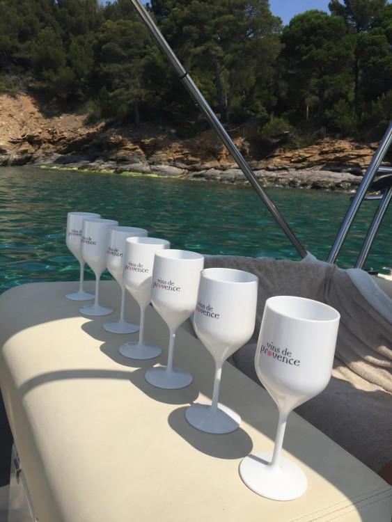 Rubberboot te huur in Cavalaire-sur-Mer voor de beste prijs