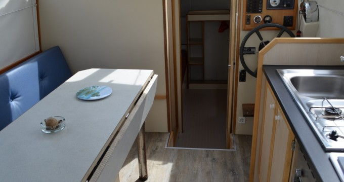 Les Canalous Triton 860 Fly te huur van particulier of professional in Carnon-Plage