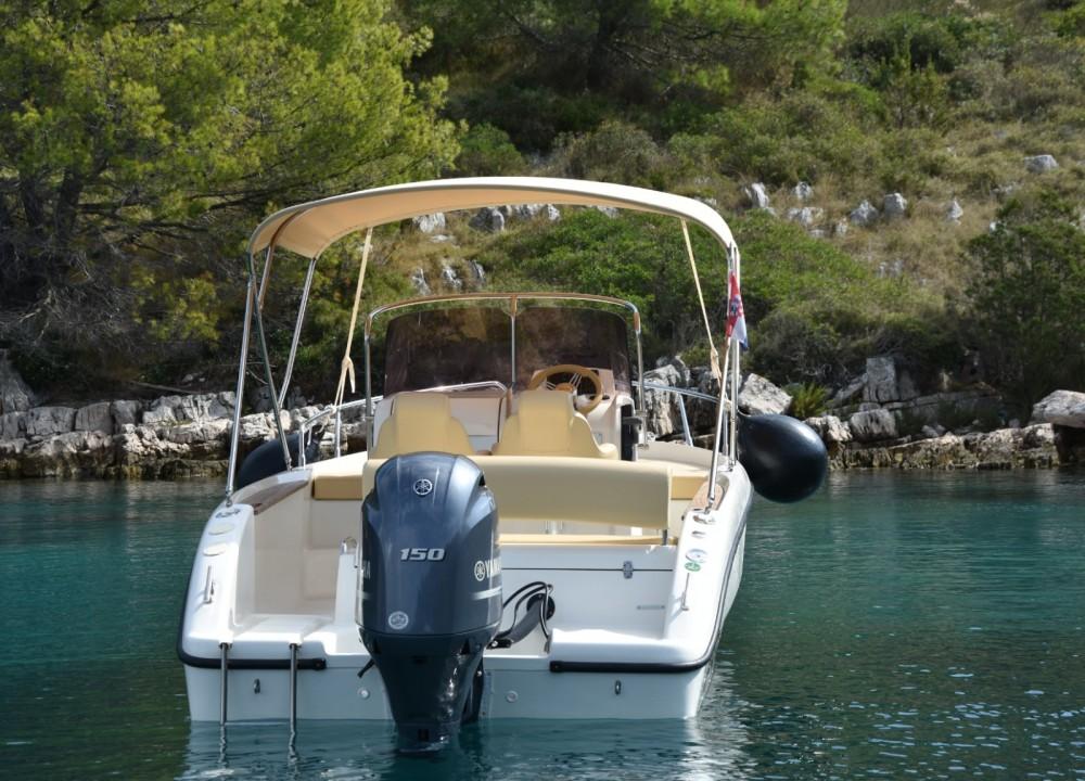Huur een Sessa Marine Key Largo 20 Deck in Ugljan