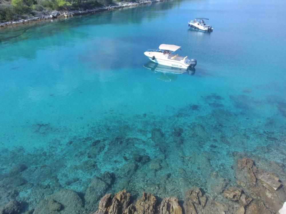 Sessa Marine Key Largo 20 Deck te huur van particulier of professional in Ugljan