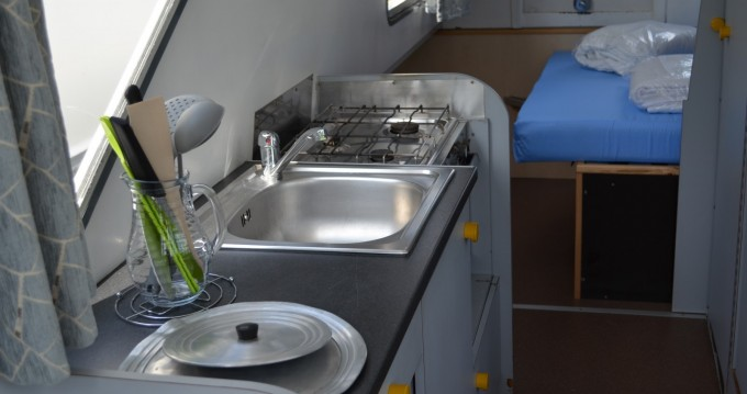 Verhuur Woonboot in Agde - Les Canalous Espade 850 Fly