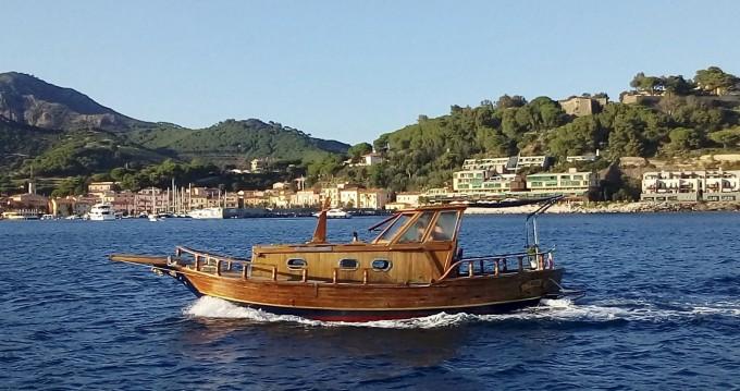 Cantiere Lampedusa Gozzo cabinato legno te huur van particulier of professional in Porto Azzurro