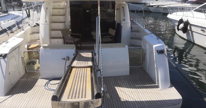 Verhuur Motorboot Carnevali met vaarbewijs