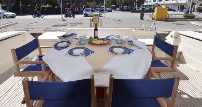 Ferretti 68 te huur van particulier of professional in Athene