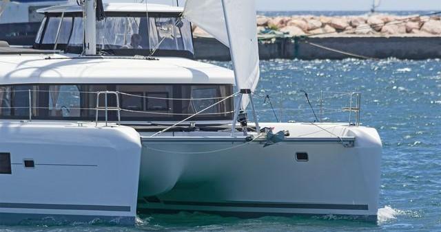 Catamaran te huur in Nafplio voor de beste prijs