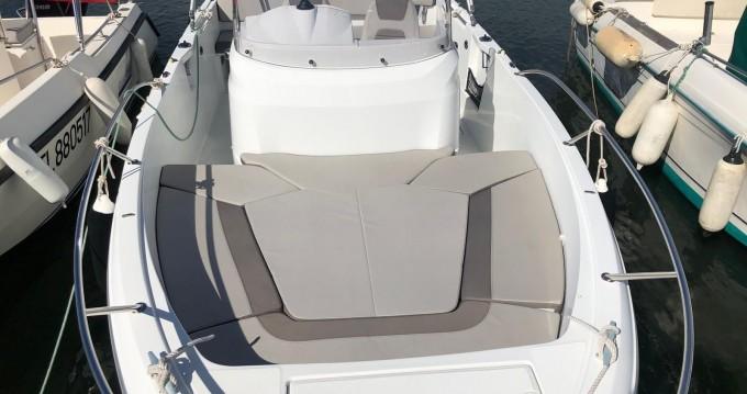 Verhuur Motorboot in Fornells - Jeanneau Cap Camarat 6.5 CC Style Serie 2
