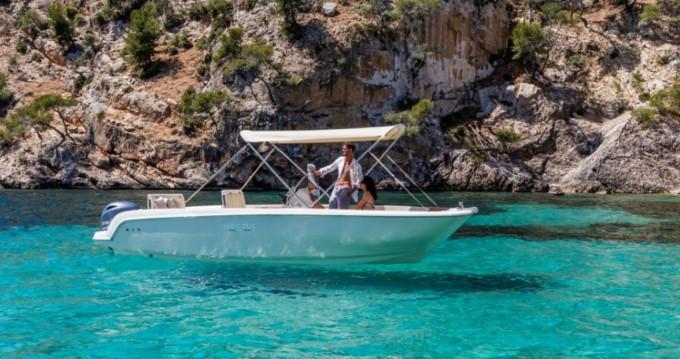 Bootverhuur Ciutadella de Menorca goedkoop Invictus 190 FX