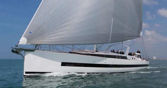 Huur een Bénéteau Oceanis Yacht 62 in Olbia