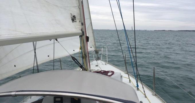 Bootverhuur Kirie Feeling 326 in La Rochelle via SamBoat