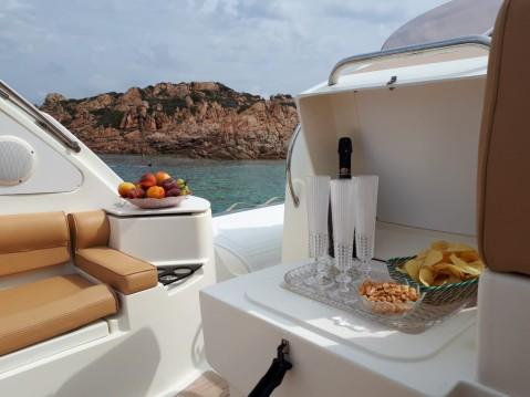 Bwa Bwa 34 Premium te huur van particulier of professional in La Maddalena