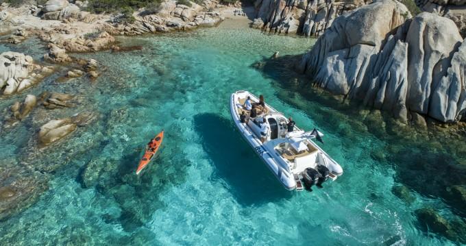 Huur een Bwa Bwa 34 Premium in La Maddalena