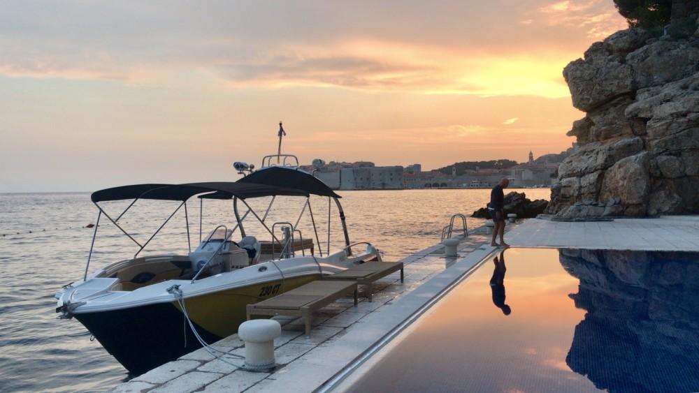 Bootverhuur Mercan Yachting Excursion 34 in Cavtat via SamBoat