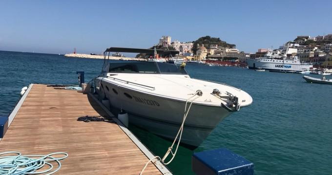 Huur Motorboot met of zonder schipper Tornado in Porto Badino