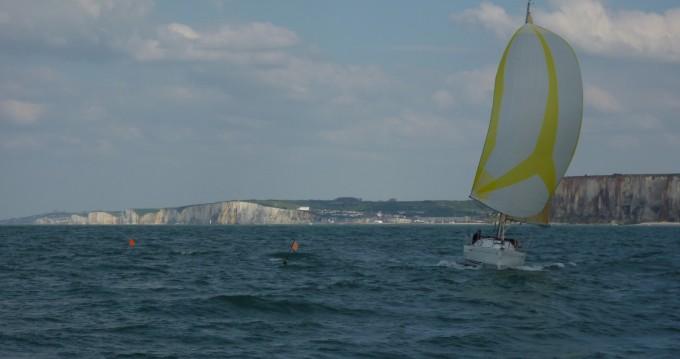 Zeilboot te huur in Dieppe voor de beste prijs