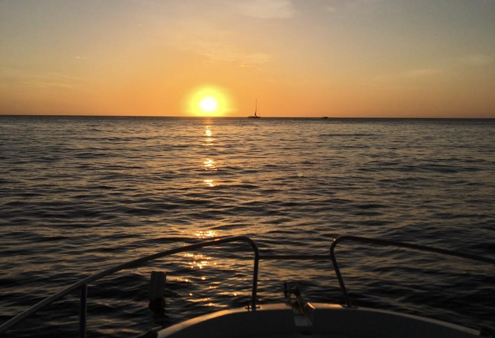 Huur Motorboot met of zonder schipper Jeanneau in Les Anses-d'Arlet