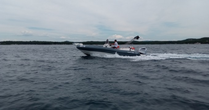 Marlin Boat MARLIN 790 PRO GRAY ORANGE te huur van particulier of professional in Vrsar-Orsera