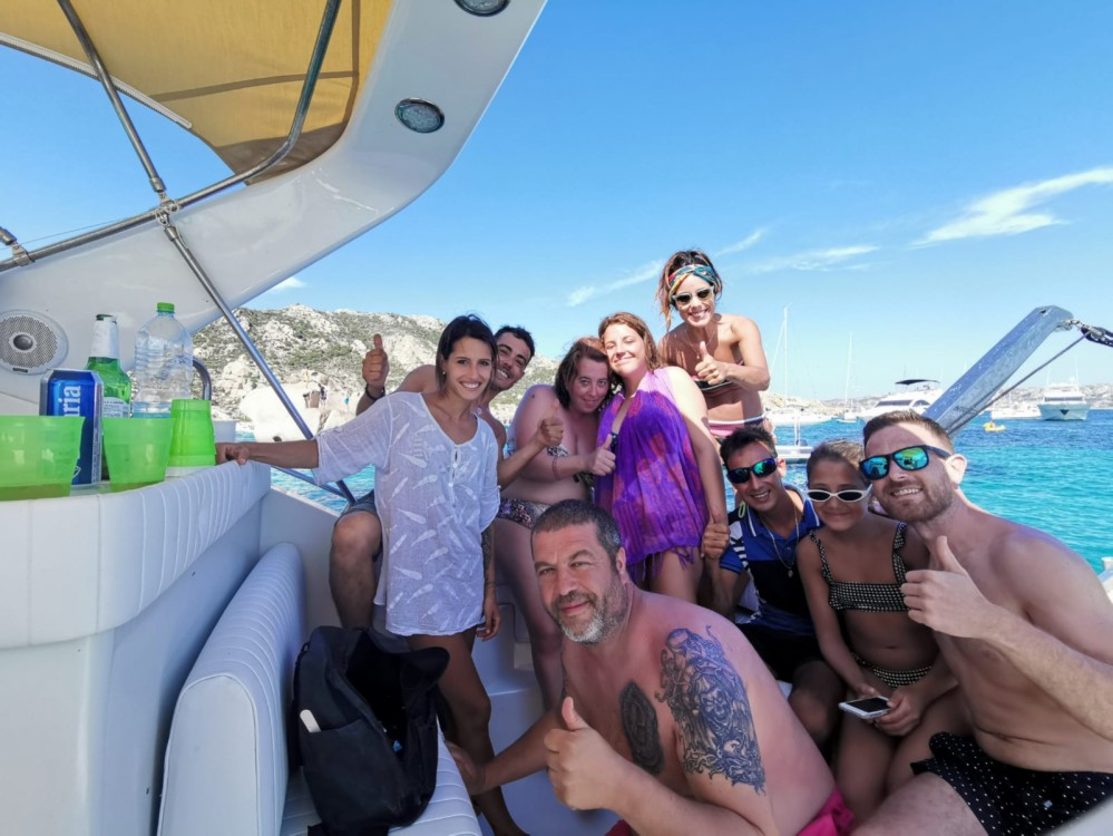 Verhuur Motorboot in Porto Pozzo - Wellcraft Portofino 4300