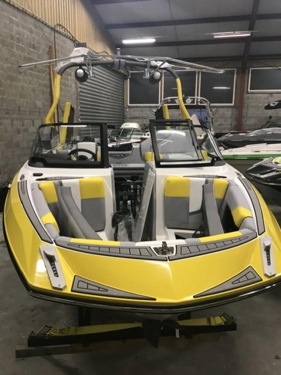 Verhuur Motorboot Nautique Correct Craft met vaarbewijs