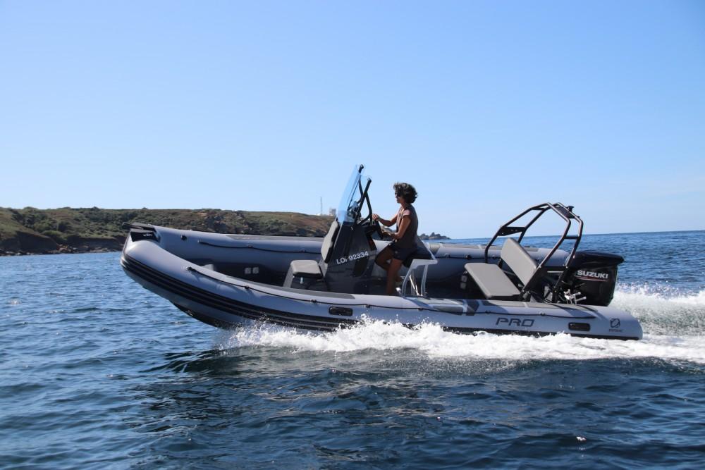 Rubberboot te huur in Lorient voor de beste prijs